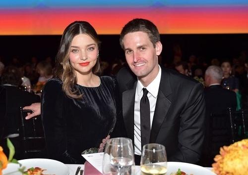 Miranda Kerr và tỷ phú Evan Spiegel. Ảnh: Harper's Bazaar.