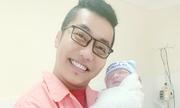 Hoàng Rapper đón con trai thứ ba