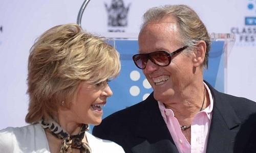 Peter Fonda (phải) và Jane Fonda, năm 2013. Ảnh: AFP.