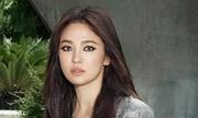 Song Hye Kyo trang điểm kiểu mắt mèo