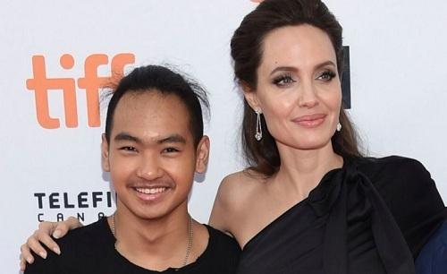 Angelina Jolie và con trai cả Maddox. Ảnh: MSN.