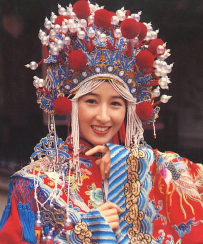 Năm 2003, sự nghiệp của cô lên tầm cao mới với phim Như Ý Cát Tường, đóng cùng Trương Vệ Kiện, Trần Hảo.