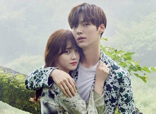Vợ chồng Goo Hye Sun, Ahn Jae Hyun. Ảnh: Osen.