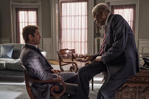 Gerard Butler trong vai đặc vụ Mike Banning và Morgan Freeman trong vai Tổng thống Allan Trumbull