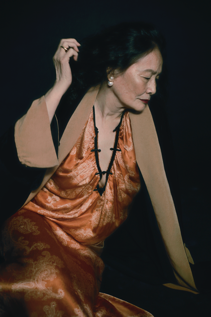 Bà Nguyễn Thị Ngân, một trong các người mẫu của bộ ảnh.