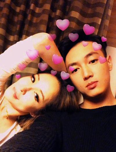 Tiêu Á Hiên và Hoàng Hạo. Ảnh: Weibo.