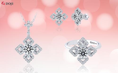 Mẫu thiết kế hoa kim cương với các cánh hoa tách rời tinh tế.