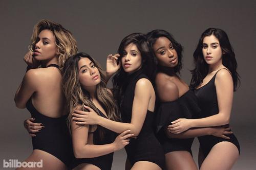 Camila Cabello (giữa) cùng các thành viên ban nhạc Fifth Harmony. Ảnh: Billboard.