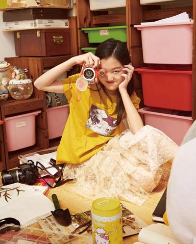 Lý Yên trên tạp chí thời trang.