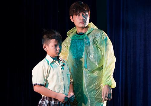 Nguyễn Văn Chung tập kịch cùng diễn viên nhí