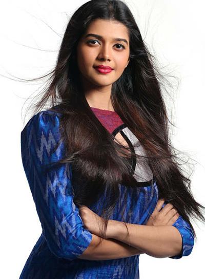 Tejaswini Manogna cho biết sẽ trau dồi kiến thức để đại diện Ấn Độ tại Miss Earth, diễn ra cuối tháng 10 ở Philippines.