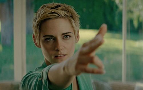 Kristen Stewart trong Seberg. Ảnh: Amazon Studios.