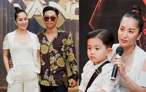 Chồng và con trai xem Khánh Thi làm giám khảo.