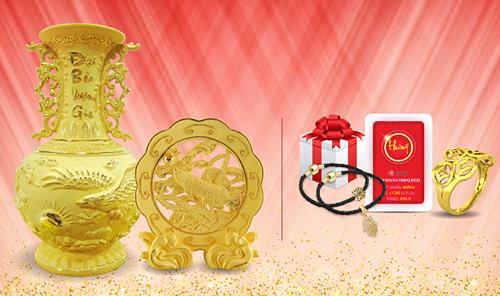 Với ưu đãi Mua Trang sức Vàng tặng quà vàng, ngoài quà tặng một chỉ vàng 999.9, khi mua Trang sức vàng 24K,khách hàng nhận ngay nhiều quà hấp dẫn: lá Bồ Đề may mắn, Charm vàng may mắn, hộp quà trang sức, quà tặng Mỹ nghệ Kim Bảo Phúc, thẻ bình an, trâm cài áo