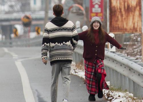 Năm 2017, đôi vợ chồng tham gia show thực tế Nhật ký tân hôn, được đông đảo khán giả khen hạnh phúc, ngọt ngào.
