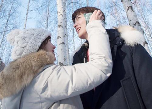 Qua chương trình, Ahn Jae Hyun được fan đánh giá là người đàn ông mẫu mực, hết lòng thương yêu, chiều chuộng vợ.