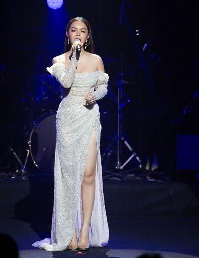 Phạm Quỳnh Anh cảm ơn chồng cũ vì hỗ trợ nhiều cho cô trong sự nghiệp ca hát. Ảnh: Hải Nguyễn.