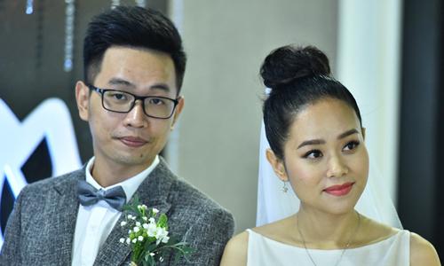 Hoàng Quyên và chồng trong đám cưới hồi tháng 7 năm ngoái. Ảnh: Giang Huy.
