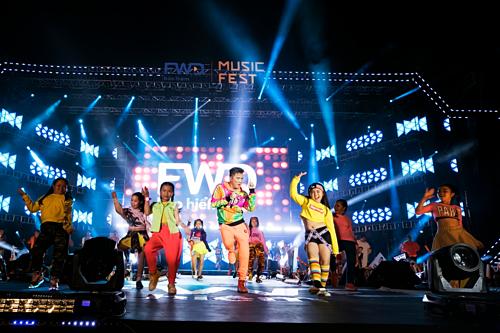 Đàm Vĩnh Hưng từng biểu diễn tại FWD Music Fest vào năm ngoái. Năm nay anh tiếp tục đem loạt hit đến sự kiện.