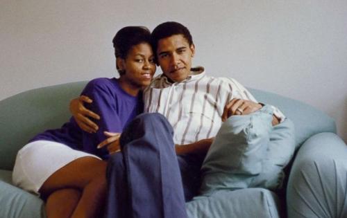 Vợ chá»ng cá»±u tá»ng thá»ng Má»¹ - Barack Obama và  Michelle Obama - thá»i trẻ. Ảnh: