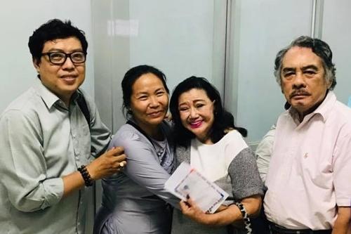 Từ phải qua: tài tử Huỳnh Thanh Trà, nghệ sĩ Kim Cương, vợ Mai Trần, đạo diễn Thanh Hiệp. Ảnh: Thanh Hiệp.