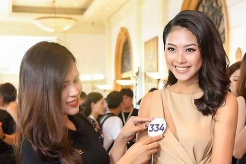 Đào Thị Hà ghi danh tại vòng casting.