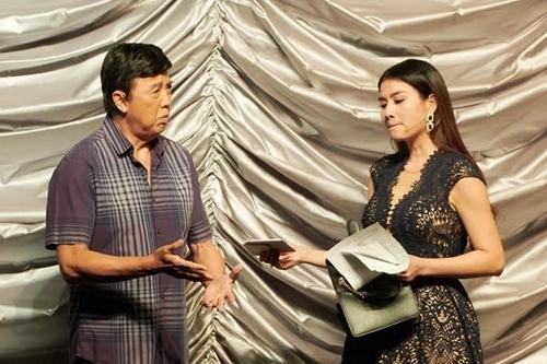 Bảo Quốc diễn cùng Kha Ly trong vở Mặt nạ tình yêu, tối 16/9. Ảnh: KL.