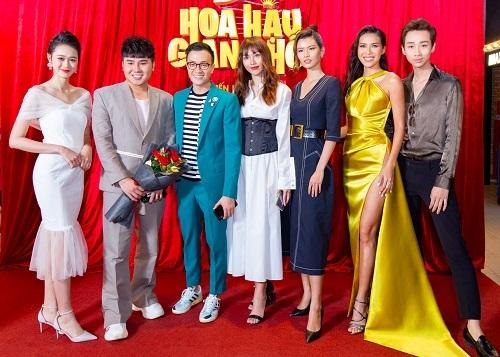 Từ trái sang: Quỳnh Anh, x, Lương Mạnh Hải, Quỳnh Châu, Cao Thiên Trang, Minh Tú, Hải Triểu. Ảnh: CJ,