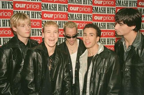 Năm 1995, BSB nhận giải Tour lưu diễn mới hay nhất tại Smash Hits Awards. Đây là giải thưởng âm nhạc đầu tiên của nhóm. Cũng trong năm đó, BSB giới thiệu tới khán giả hai ca khúc đầu tiên là Weve Got It Going On và Ill Never Break Your Heart. Các ca khúc đạt thành công nhỏ tại Mỹ nhưng nổi tiếng tại các nước châu Âu. Điều này đã giúp BSB ký được một hợp đồng lưu diễn tại châu Âu vào năm 1996. Ảnh: MirrorPix.