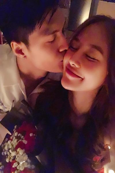 Lâm Vinh Hải hôn vợ trong sinh nhật cô. Ảnh: LC.