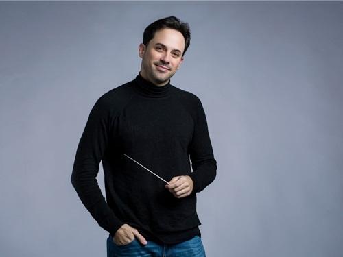 Ông Olivier Ochanine, Giám đốc âm nhạc của SSO