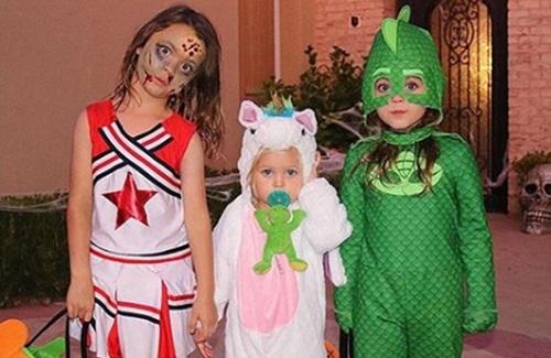 Noah, Journey và Bodhi (từ trái qua) - ba con của Megan Fox hóa trang trong lễ Halloween năm ngoái. Ảnh: Instagram.