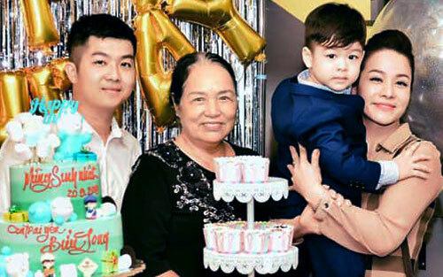 Diễn viên Nhật Kim Anh (trái) tại buổi tiệc sinh nhật con trai ở nhà chồng (Cần Thơ). Ảnh: NKA.