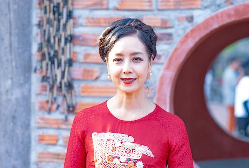NSƯT Chiều Xuân tại địa điểm quay phim Cậu Vàng hôm 22/9. Ảnh: Đạt Phan.