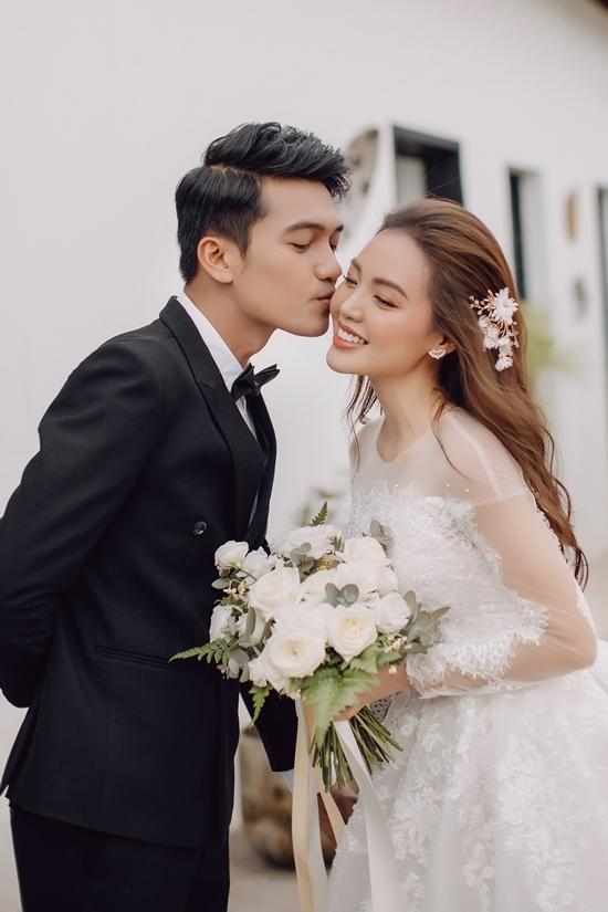 Quang Tuấn kỷ niệm ba năm cưới