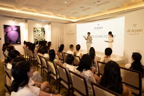Sự kiện có sự tham gia của các nhân vật nổi tiếng, các đơn vị truyền thông báo chí, khách hàng và những người bạn đặc biệt của thương hiệu.