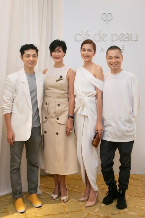 Từ trái sang: Kiến trúc sư Trung Trần, doanh nhân Kim Oanh, Doanh nhân – nhà thiết kế Tăng Thanh Hà và Giám đốc sáng tạo Dzũng Yoko.