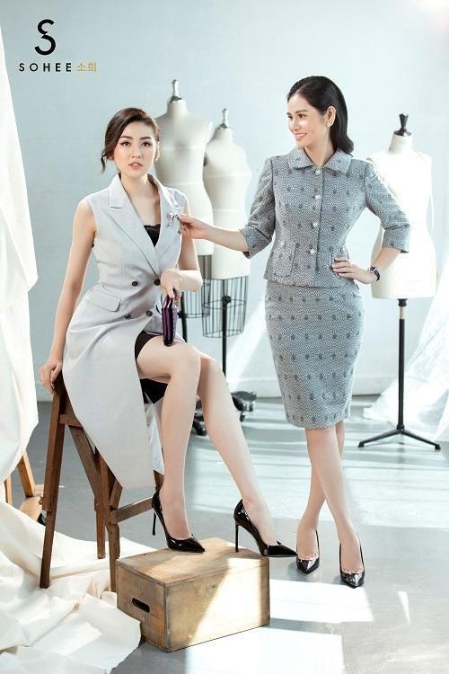 Đánh dấuviệc trở thành biểu tượng của thời trang Sohee, Á hậu Dương Tú Anh cùng CEO Hà Bùithực hiện bộ ảnh theo chủ đề Designer and the Muse(Nhà thiết kế và Nàng thơ). Loạt hình thể hiện sự tương đồng và ăn ý về style ăn mặc giữa nàng thơTú Anh và bà chủ của thương hiệu thời trang công sở. Doanh nhân Hà Bùi cũng là nhà thiết kế chính của hãng và từng ra mắt nhiều bộ sưu tập limited từ cuối năm 2017 cho đến nay.
