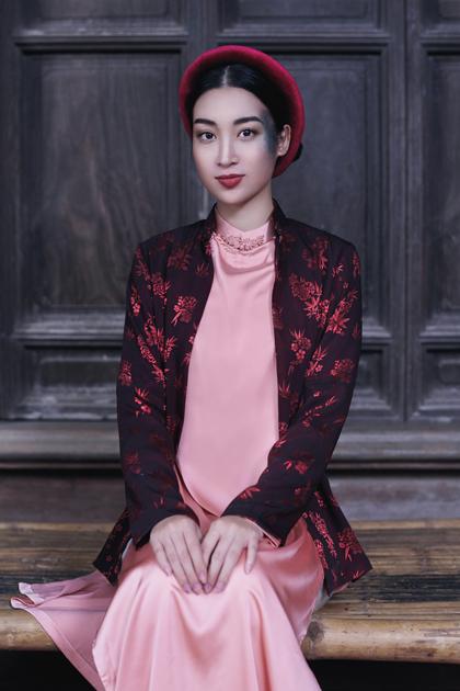 Đỗ Mỹ Linh trong MV.