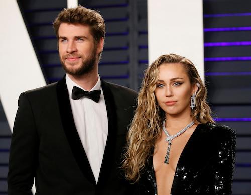 Tháng 8, Liam Hemsworth và Miley Cyrus tuyên bố chia tay sau 10 năm yêu. Hai người kết hôn cuối năm 2018. Ít ngày sau khi chia tay, Liam đâm đơn ra tòa xin ly dị. Sự việc gây chú ý vì Miley hẹn hò người cùng giới ngay sau khi chia tay.