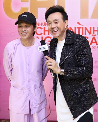 Nghệ sĩ Hoài Linh (trái) và Chí Tài trong buổi giới thiệu liveshow Những chuyện tình... nghiệt ngã 2. Ảnh:Khôi Nguyên.
