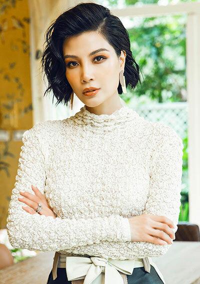 Người mẫu Vũ Cẩm Nhung.