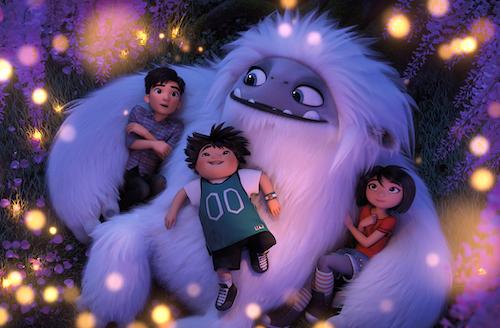 Các nhân vật Jin, Peng và Yi (từ trái qua) nằm trên người Everest. Ảnh: Dreamworks.