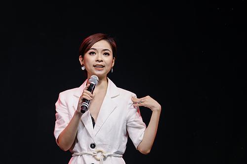 Chuyên gia xây dựng hình ảnh San Ong giúp mọi người có bí quyết xây dựng sự tự tin. Ảnh:Thành Nguyễn.