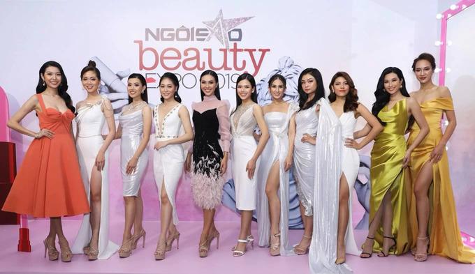 Dàn thí sinh Hoa hậu Hoàn vũ Việt Nam diện đầm cắt xẻ