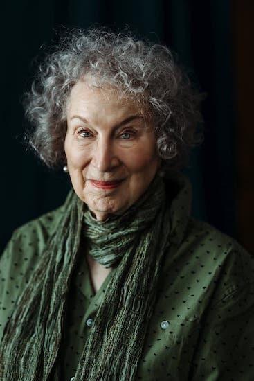 Nhà văn Margaret Atwood - một trong các ứng cử viên sáng giá của Nobel Văn học năm nay. Ảnh: NY Times.