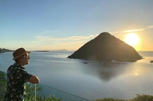 hiên trên đảo Flores. Đảo Flores còn được gọi với cái tên là
