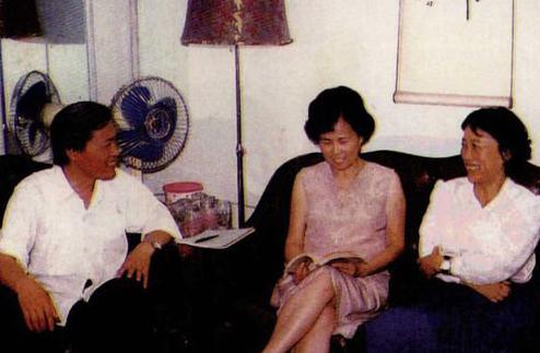 Từ trái sang: Đới Anh Lộc, Dương Khiết, Trâu Ức Thanh. Ảnh: Bjnews.