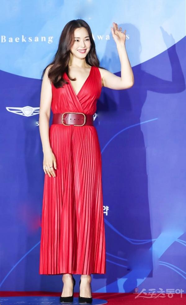 Loạt đồ hiệu của 'Hoa hậu sexy nhất Hàn Quốc'
