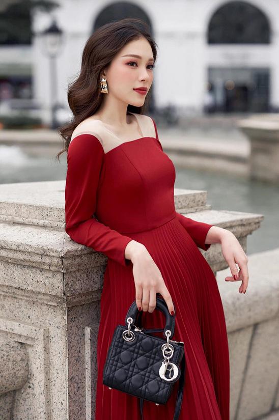 Nhan sắc người mẫu yêu em chồng Hà Tăng